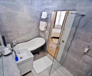 The bathroom in the Erskine apartment.
